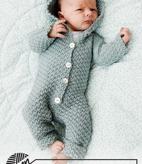 Knitted suit for baby in DROPS Merino Extra Fine.  4 years
