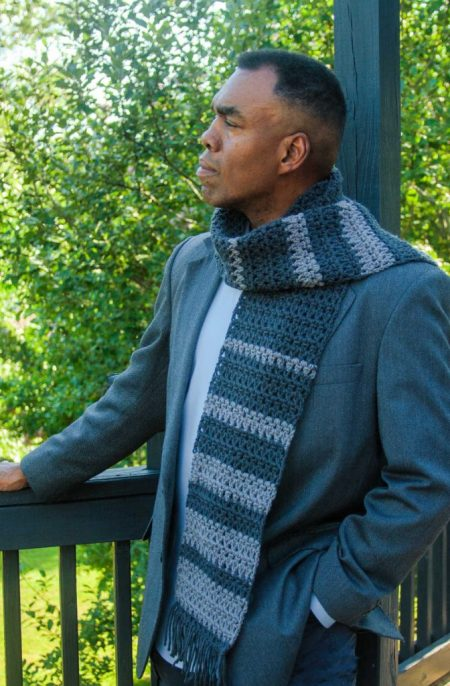 Suit Style Men's Crochet Scarf Pattern